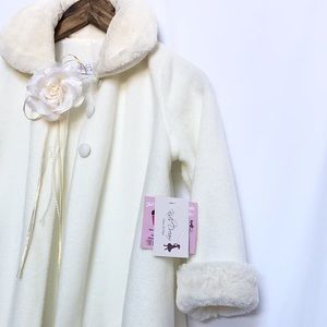 🎀 Dream Ivory Fleece Faux Fur Collar Cuff Coat